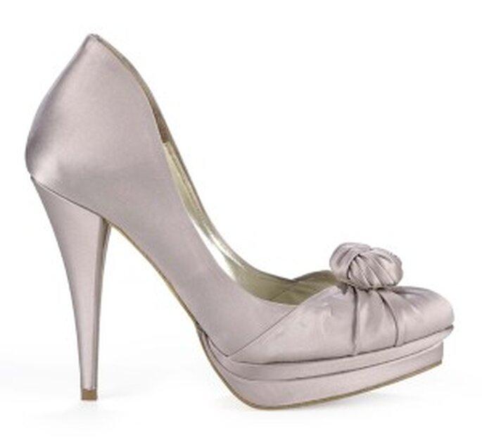 Zapatos de novia Pura López 2011