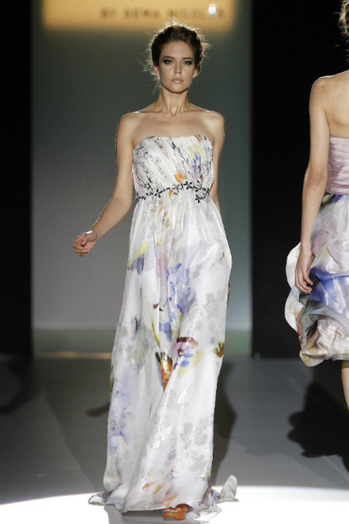 Fröhlich und leger: Maxi-Kleider mit Blumenprints – Foto: GemaNicola