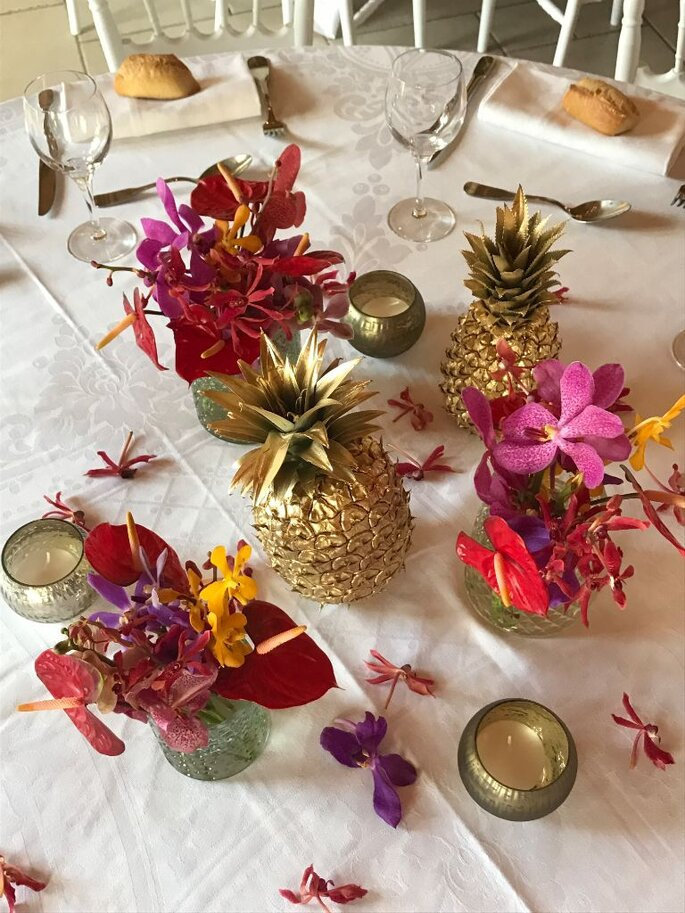 Décoration de tables de mariage avec des fleurs