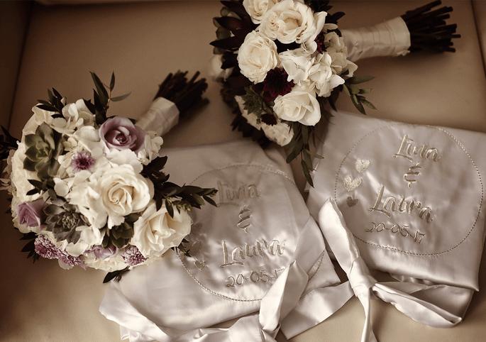 Dos ramos de novia para matrimonio igualitario