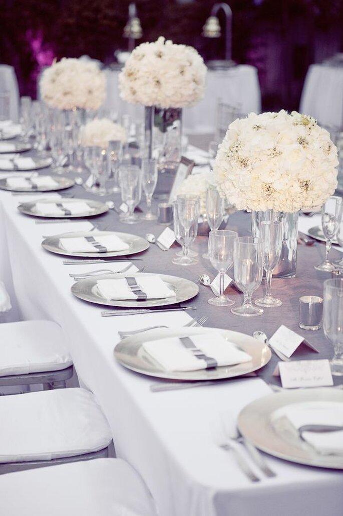 decoração mesa casamento prateada