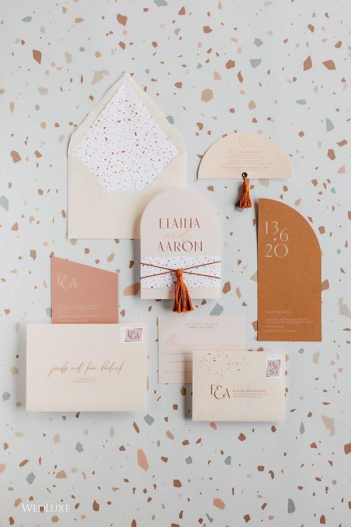 Hochzeitseinladungen Trends abgerundetes Format in Mosaik Terrazzo Design