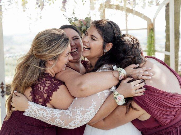 a noiva com as suas madrinhas
