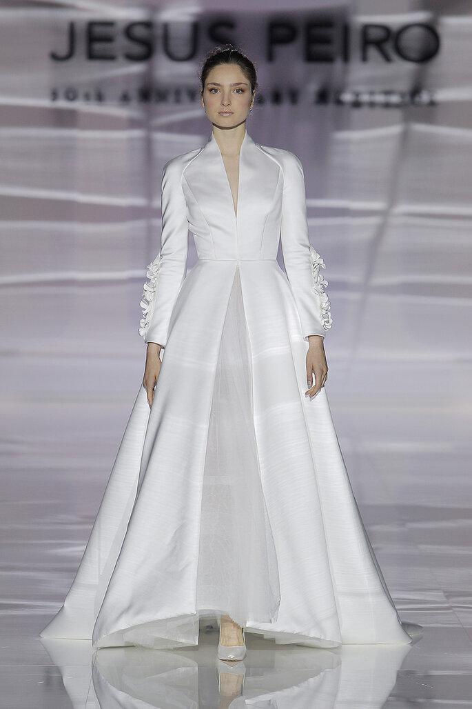 Robe de mariée avec des manches longues