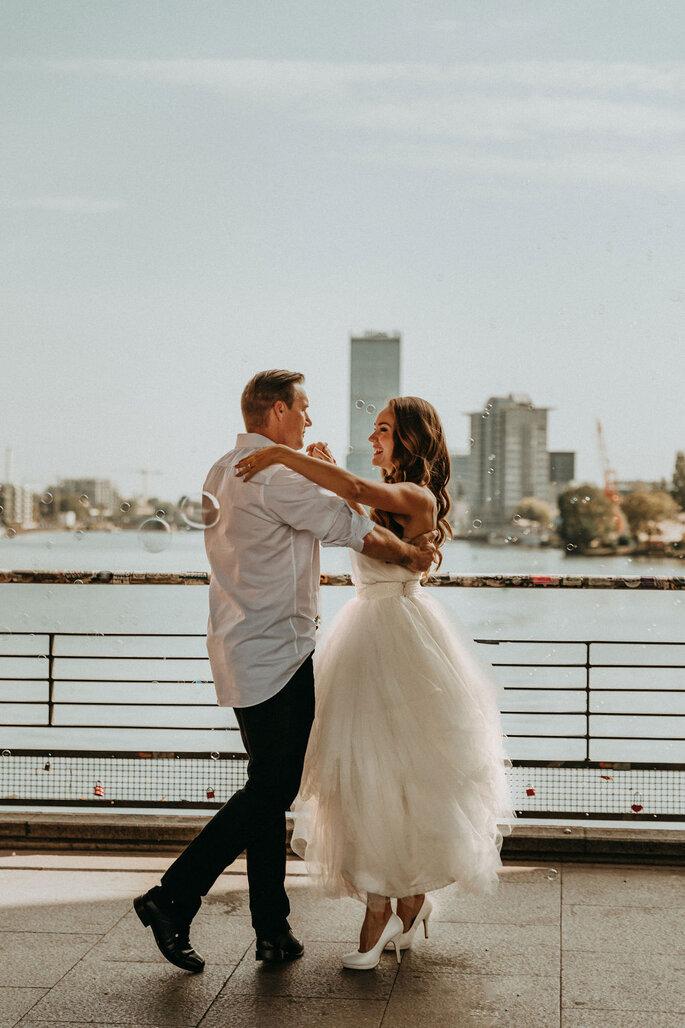 Elopement Fun Wedding Shooting