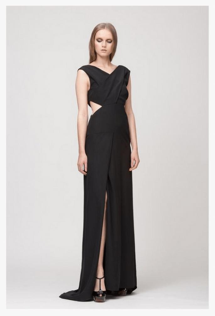 Vestido de fiesta 2014 en color negro con cut offs y abertura al frente - Foto Giulietta