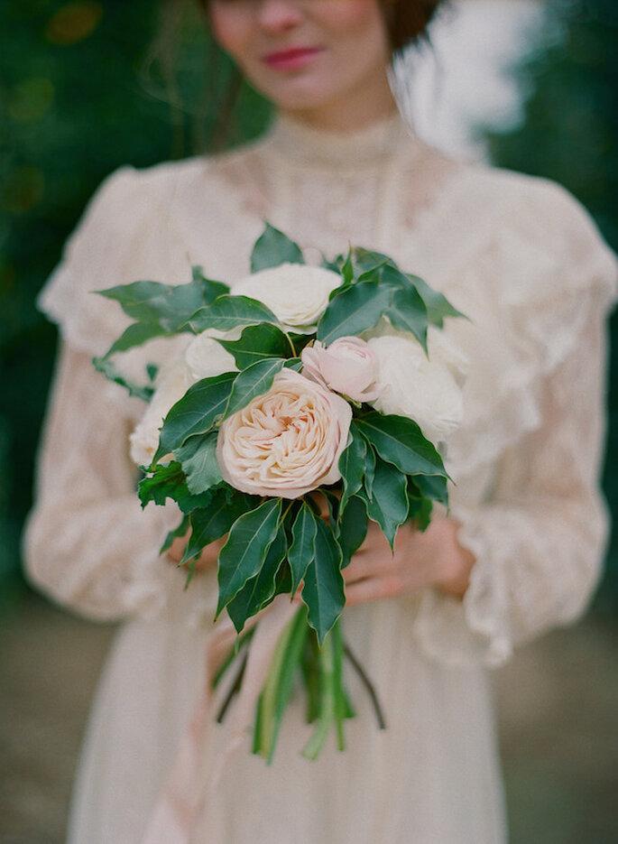 Armoniza todo tu look de novia con el ramo perfecto - Foto Carmen Santorelli Photography