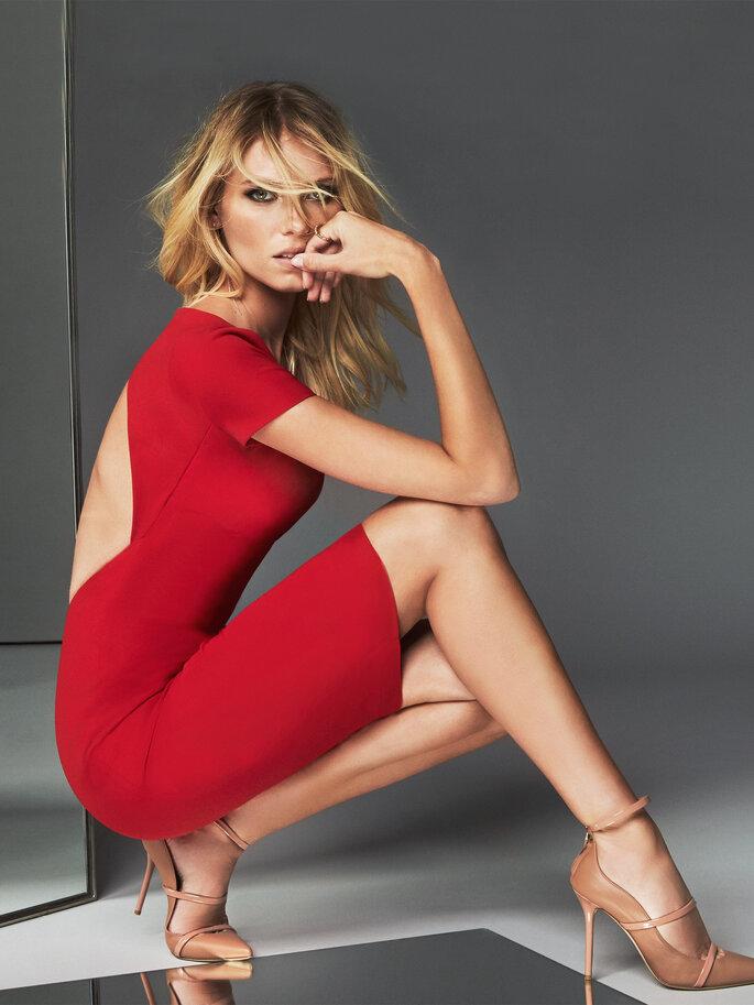 Vestido de fiesta corto rojo en licra y espalda descubierta