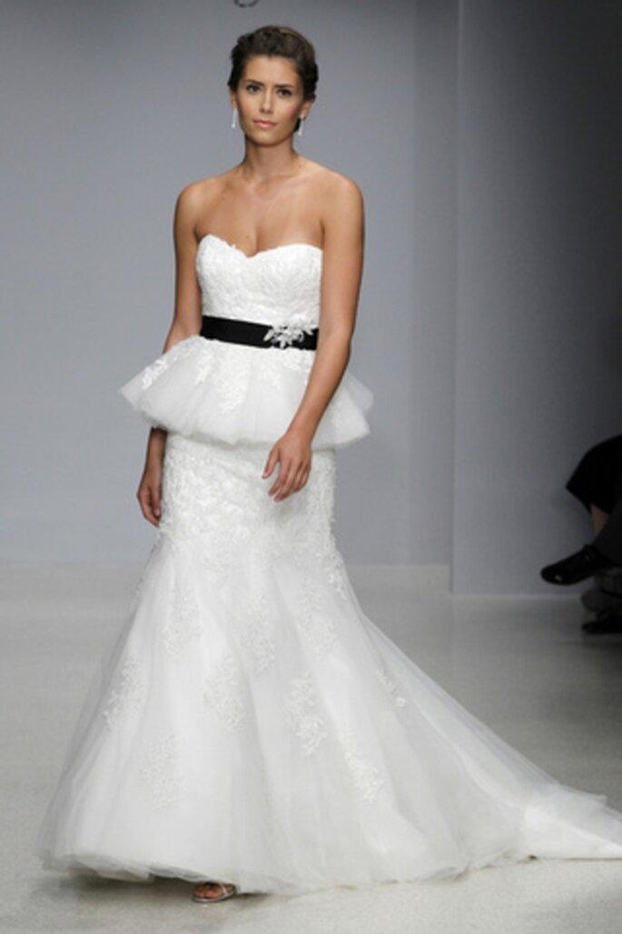 Vestido de novia con encaje y falda peplum - Alfred Angelo 2013