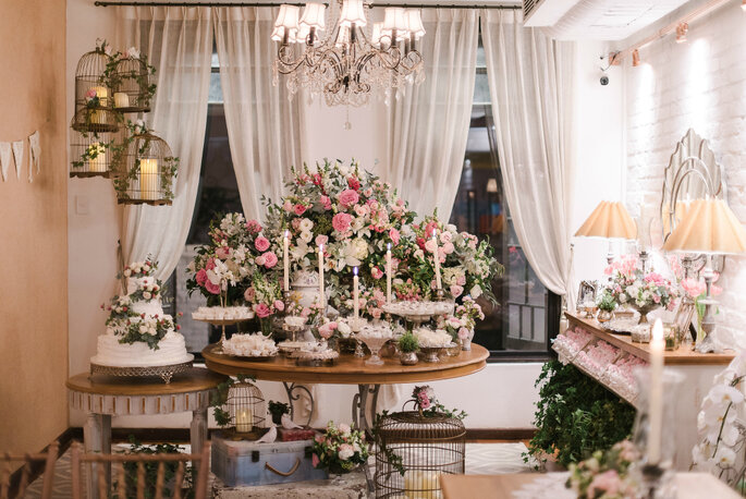 Decoração romântica mesa de doces