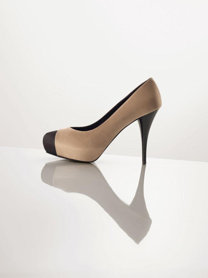 Zapatos de fino razo color marrón claro