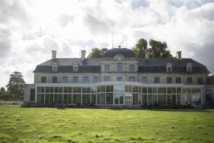 Château pour réceptions de mariage et son imposante verrière