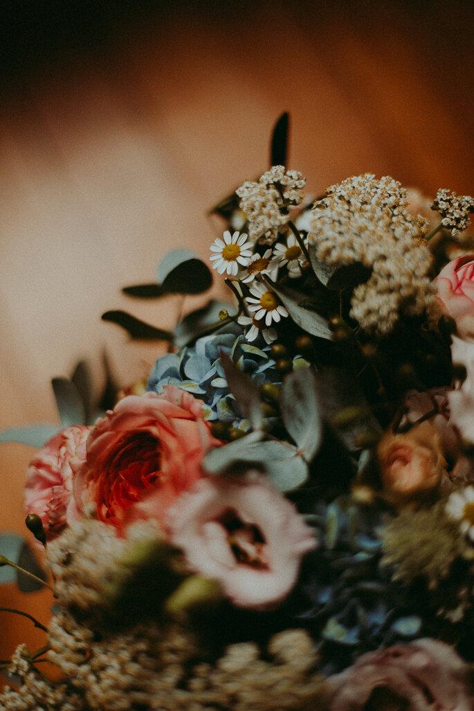 fleurs mariage champêtre en Lot-et-Garonne dans le jardin familial