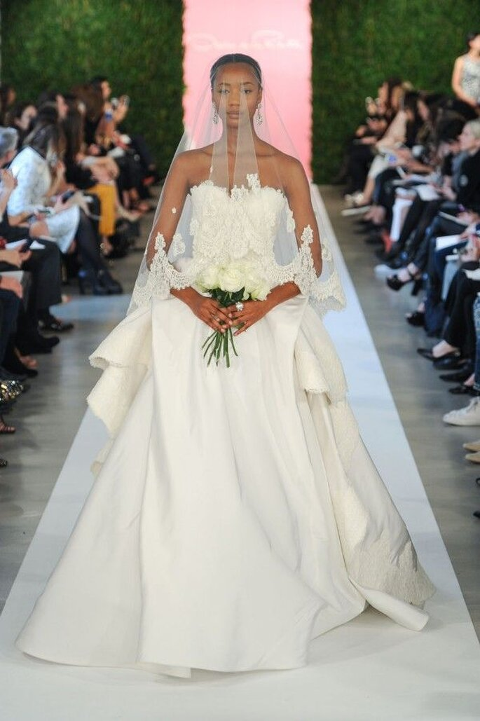 Vestidos de novia 2015 con volúmenes estilo princesa - Oscar de la Renta