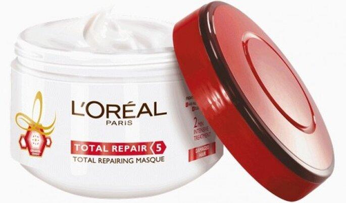 Utiliza una mascarilla reparadora para lucir un cabello hermoso - Foto L'oréal