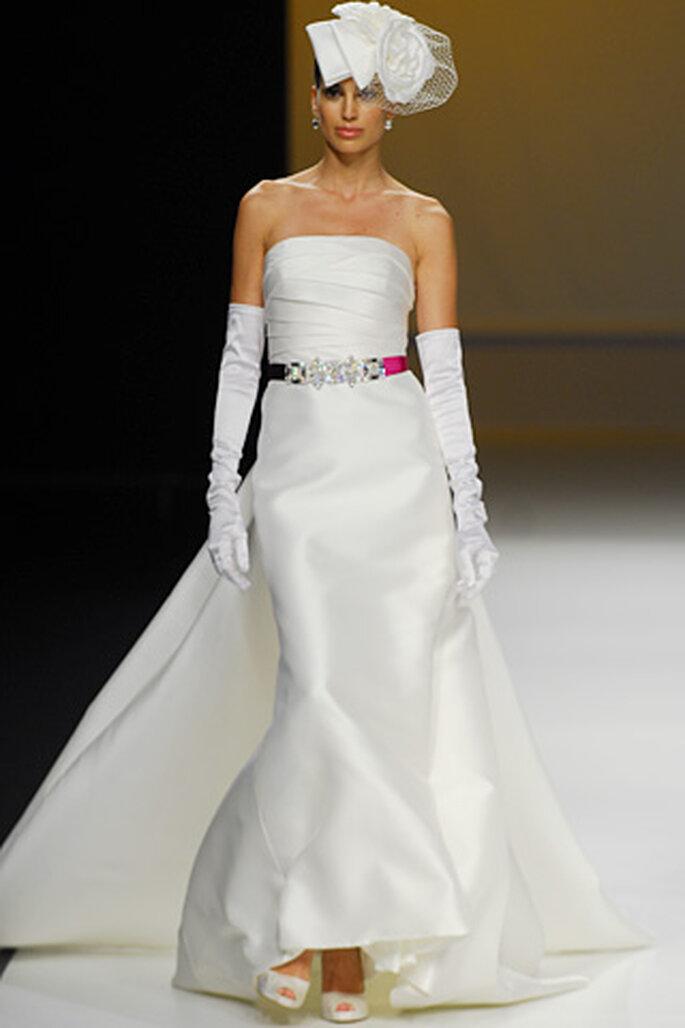 vestidos de novia sencillos. Modelo de vestido de novia con