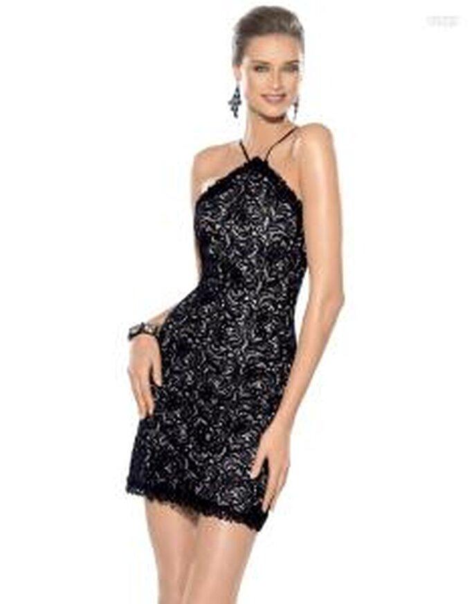 Pronovias Cóctel 2010 - Jungla, vestido corto negro ajustado, escote halter