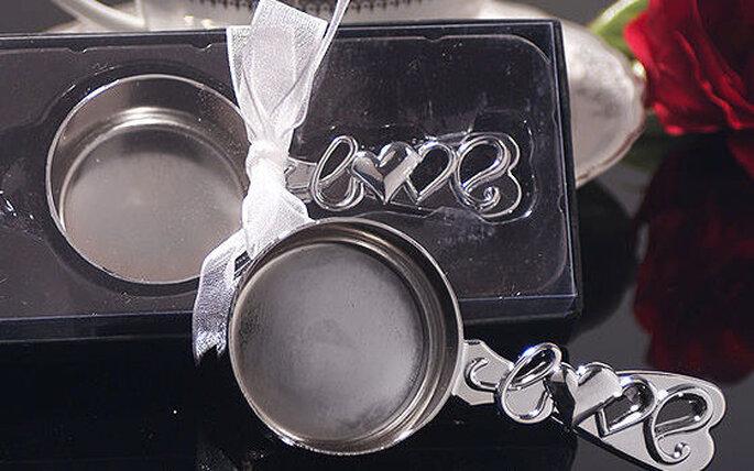 Cuchara para servir café con grabado en el mango