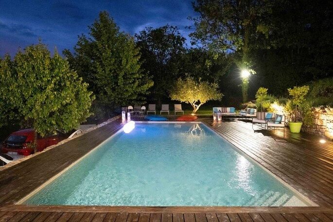La Bastide de Fangouse possède une grande piscine extérieure