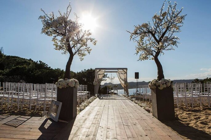 Costa Smeralda - Foto via Elisa Mocci Events - Luxury Wedding Planning & Design
