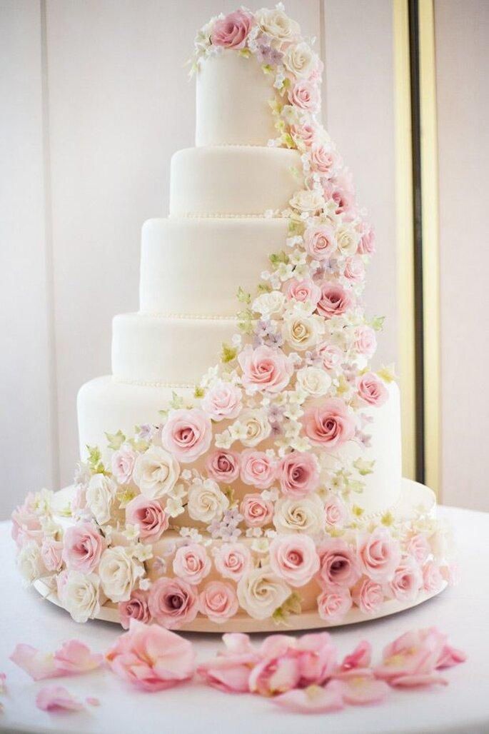rosette wedding cake - Label'Emotion London wedding planner London