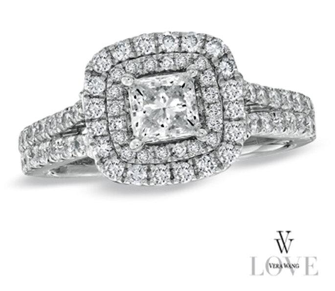 Anillo de compromiso lleno de diamantes por Vera Wang