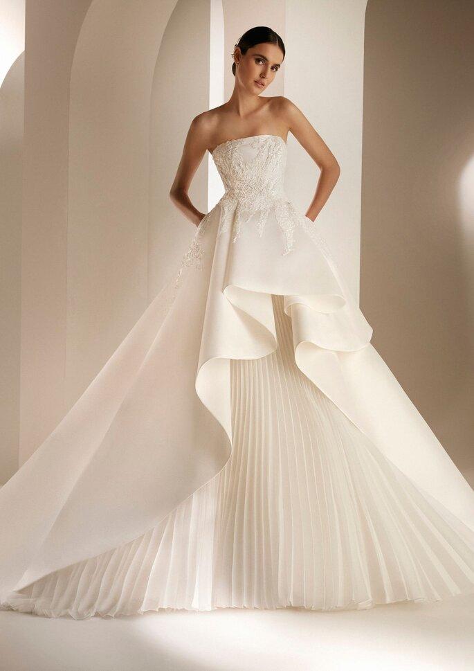 Pronovias Premiere 2021 Vestido de novia princesa en mikado escote palabra de honor y espalda descubierta