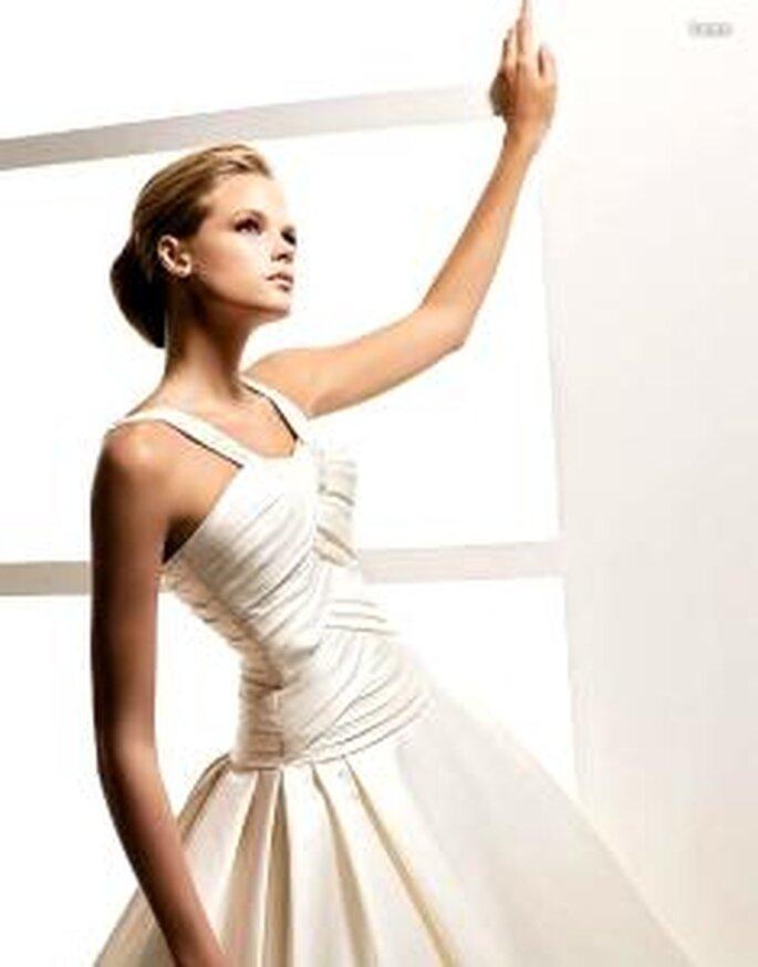 La Sposa 2010 - Lema, langes Prinzessinnenkleid aus Seide mit Überkreuzmuster