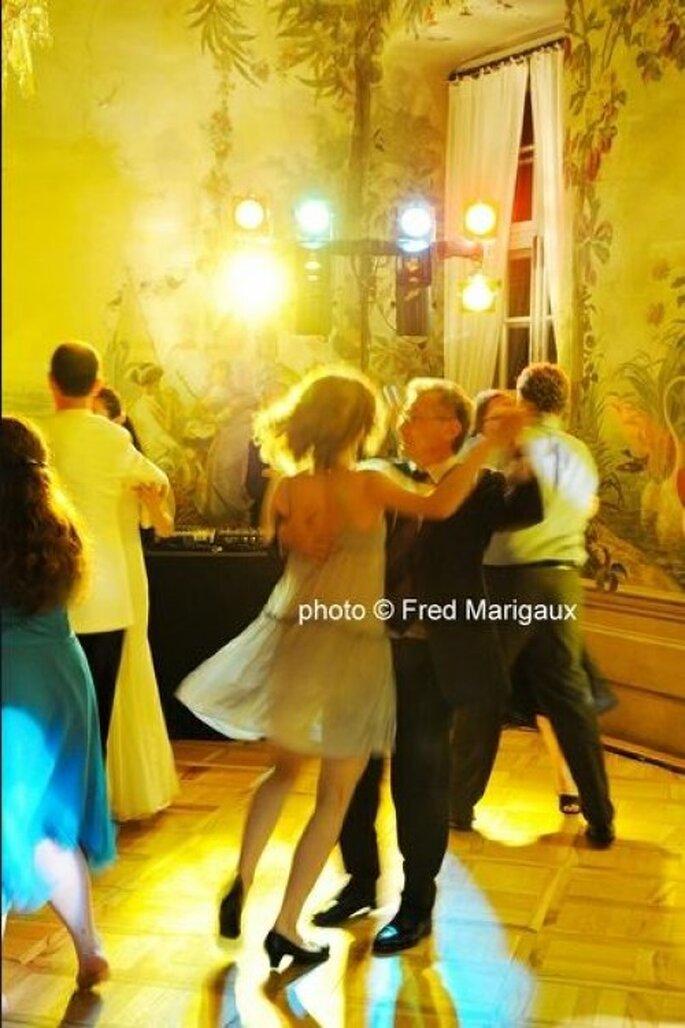 El primer baile como esposos, es un recuerdo indeleble; Foto: Fred Marigaux