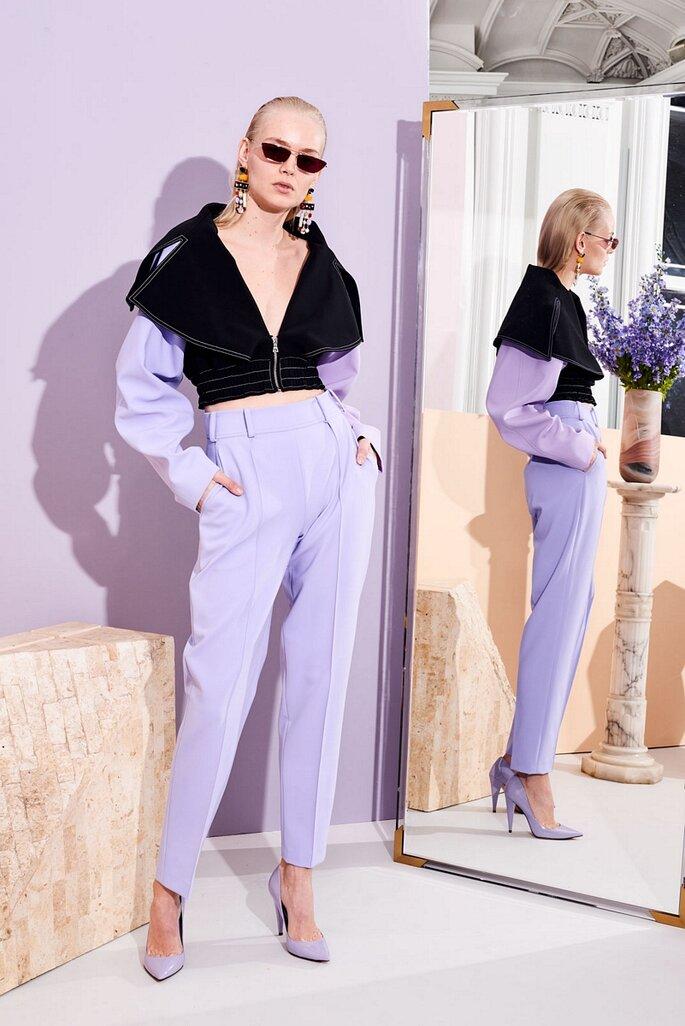 Pantalones en tono lila estilo baggi