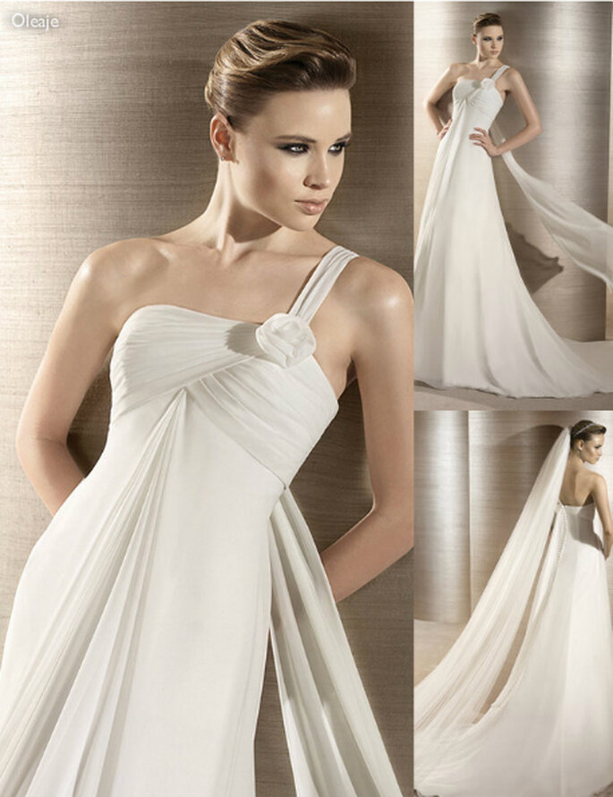 Vestido de novia estilo griego con falda lisa - Foto: Atelier Diagonal