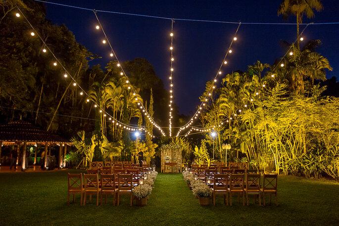 Luzes na decoração do casamento