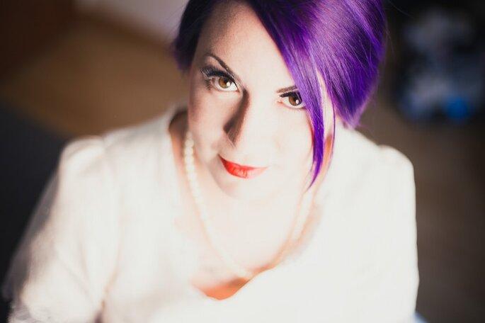noiva com cabelo colorido