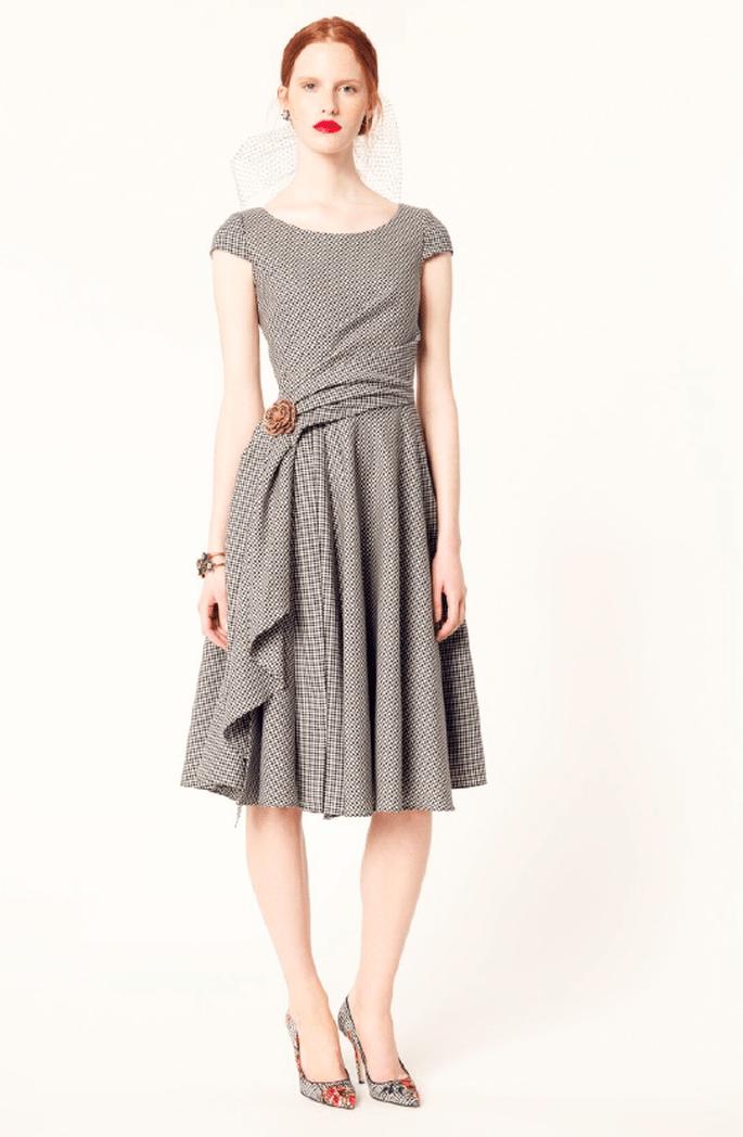 Vestido ladylike en color gris con estampado vichy