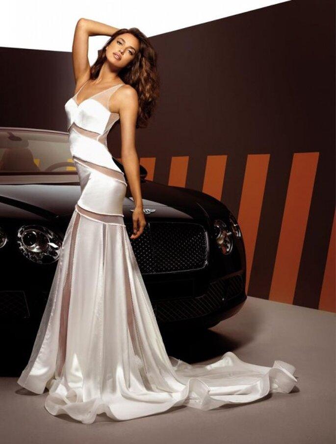 Sensual vestido de novia con transparencias - Foto Alessandro Angelozzi Facebook