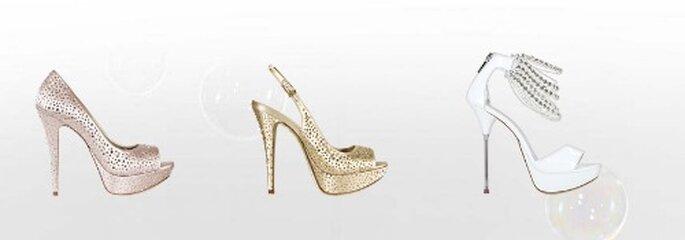 Cristalli su tutta la scarpa o solo alla caviglia...scarpe sempre e comunque al centro della scena! Collezione Sposa Loriblu 2012