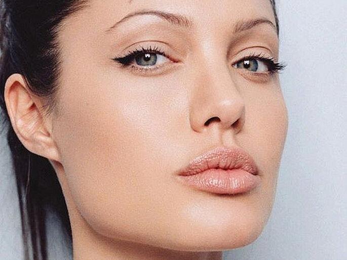 Angelina Jolie - Maquillaje de día