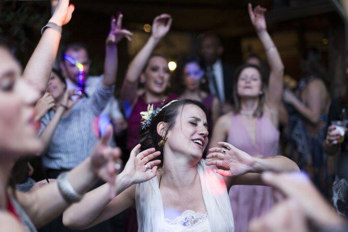 noiva festa dançando