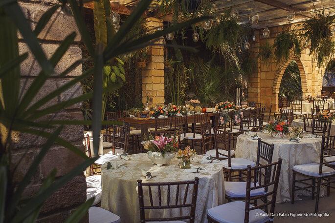 Decoração, flores e paisagismo: Ana Mamede - Coliseu Eventos - Foto: Paula Dau e Fábio Figueiredo Fotografia