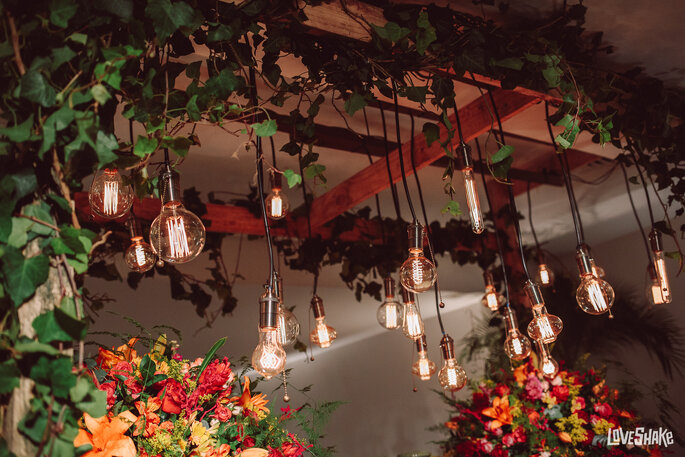 decoração casamento lampadas