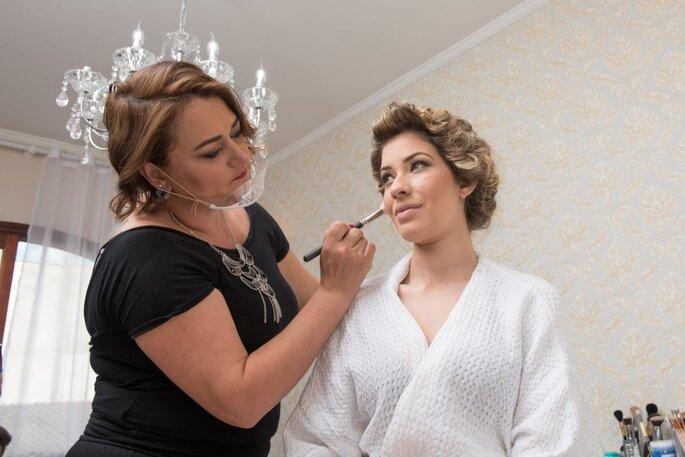 Experiência como maquiadora e visagista