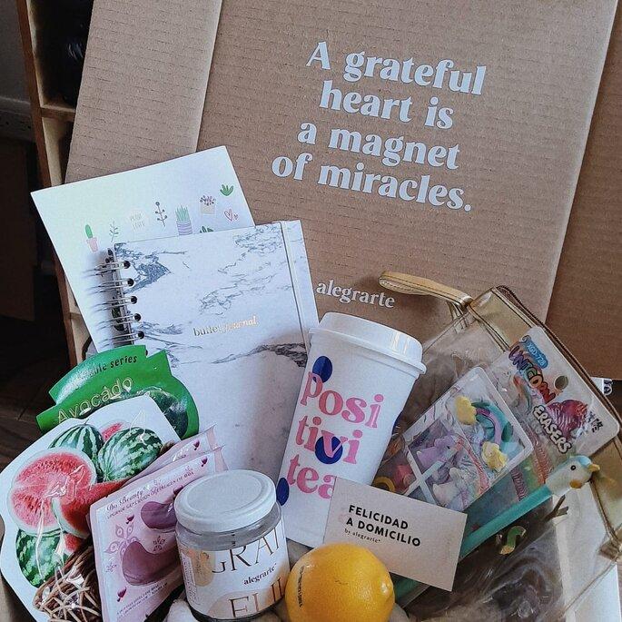 Cajas sorpresas de regalo para mujeres en navidad