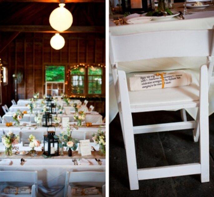 Sillas en madera blanca para una boda en el campo. Foto: Onestylishbride