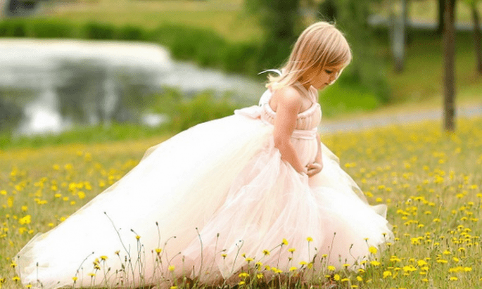 Vestidos con estilo y encanto para pajes de boda - Foto Etsy