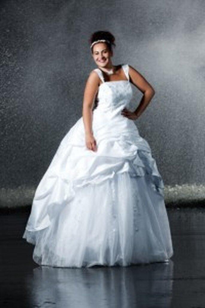 Brautkleider für mollige Frauen – Hochzeitskleider für mehr Figur