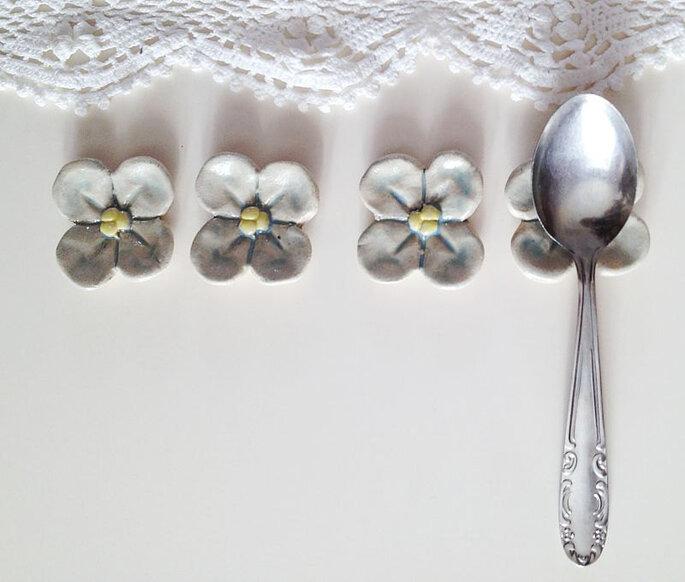 Recuerdos de boda: descansa-cuchara en forma de flor de lofficina
