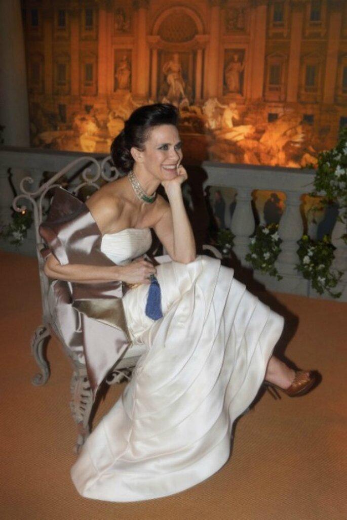 Ecco l'abito in organza di seta creato da Angelo Vitti in occasione della mostra di Bulgari in onore di Liz Taylor. Foto: Angelo Vitti