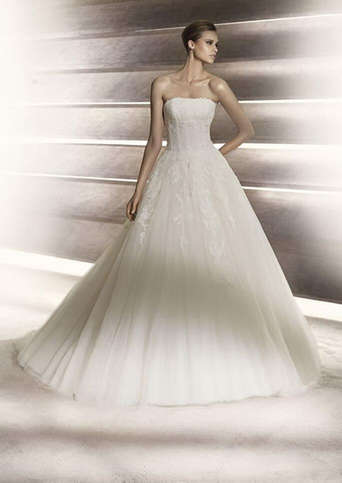 Vestido de novia con corsé. Perfume de Pronovias