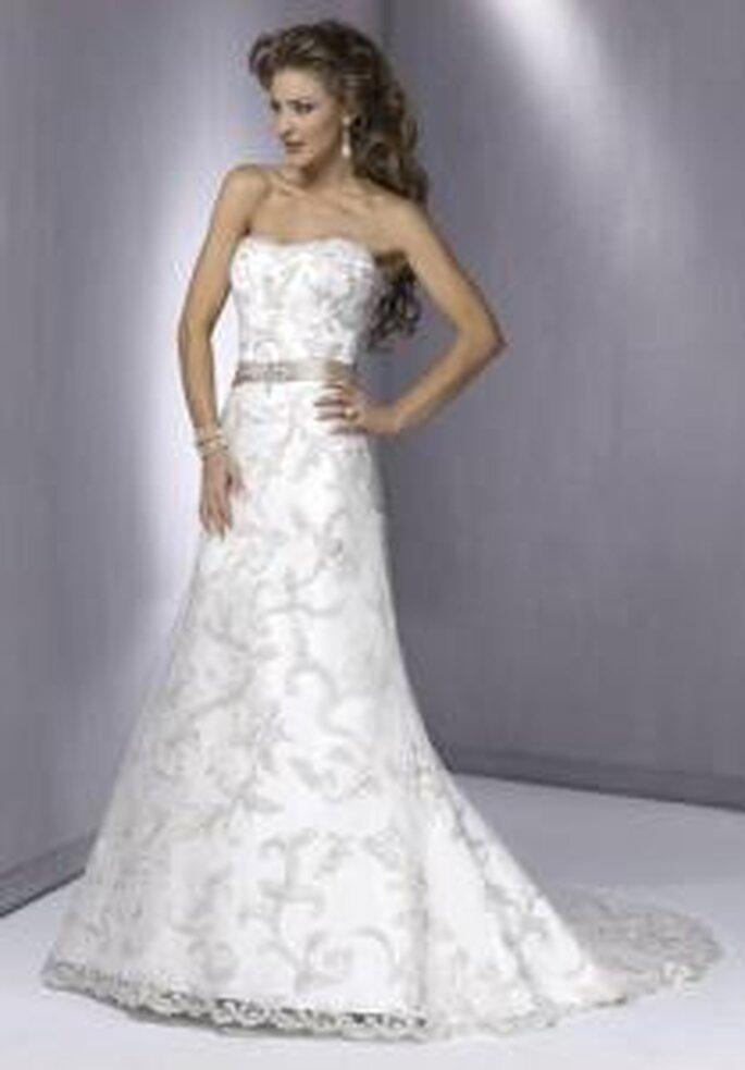 Maggie Sottero 2009 - Anette, vestido largo corte princesa, escote palabra de honor. Cinturón