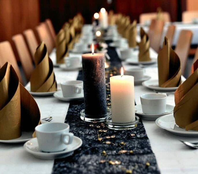 Arreglo de mesa con velas